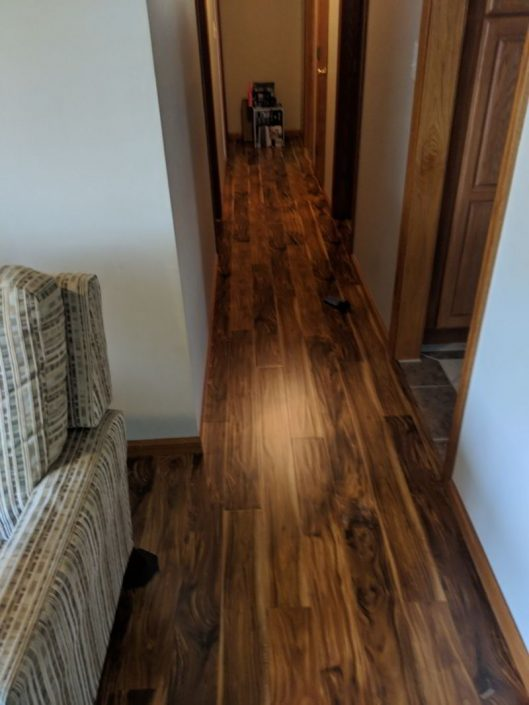 Laminate Avenues Acacia Natural Hallway