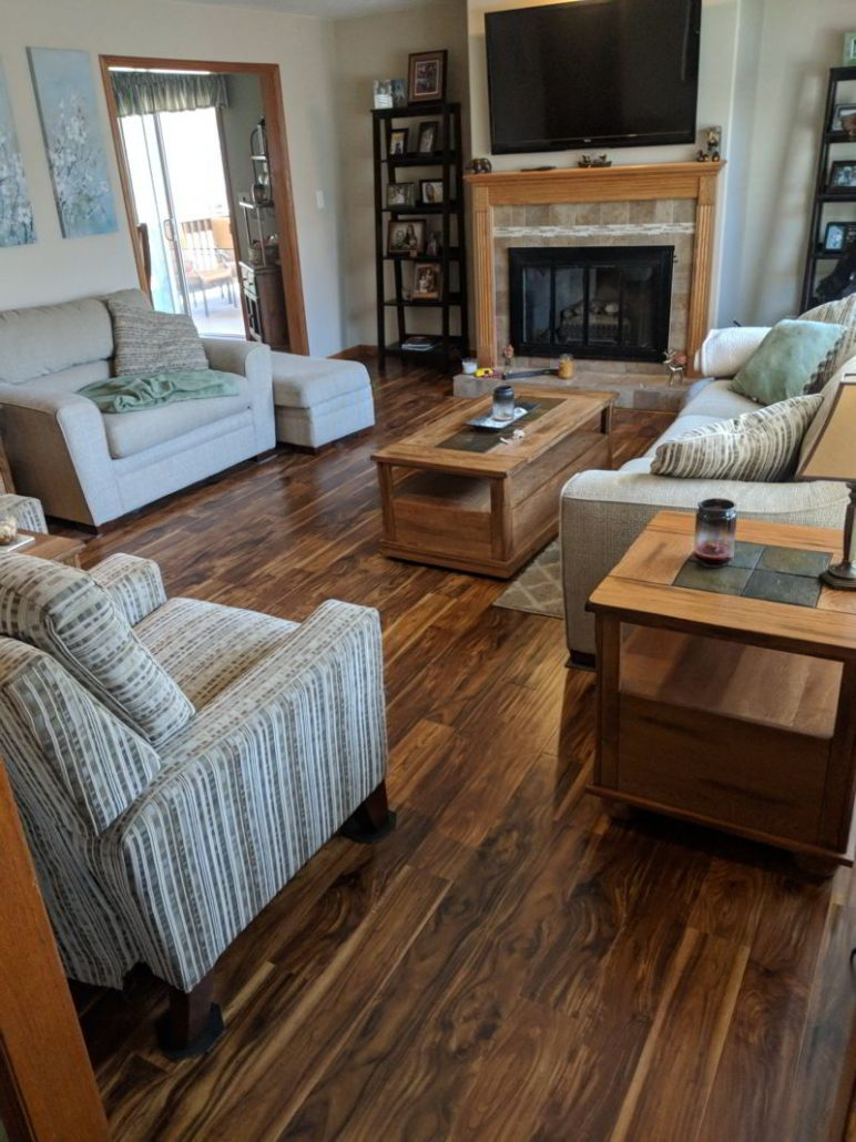 Laminate Avenues Acacia Natural Living Room